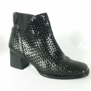 Mezlan 6M Black Woven Leather Ankle Boot B5-3